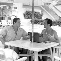 Seduto con Joe Weider 18 ore dopo che ero arrivato in America. Avevo appena perso il Mr. Universo ed ero devastato, ma lui mi ha dato speranza e consigli.