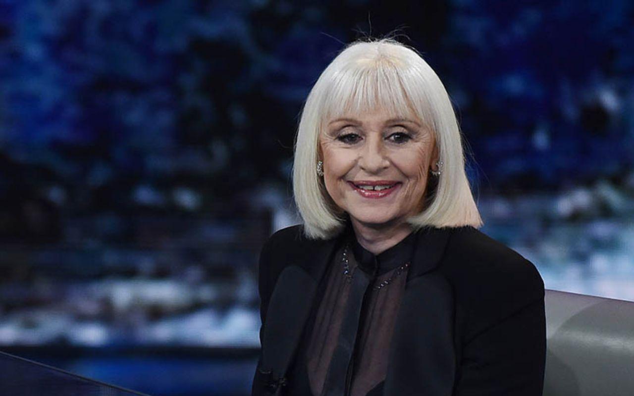 Raffaella Carrà è stata un personaggio centrale nell'immaginario pop italiano. Il ricordo di Danilo Villani per Sugarpulp MAGAZINE.
