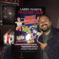 Strip Bar e Wrestling tra nani: solo a Las Vegas