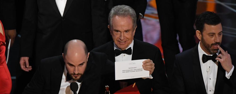 Oscar 2017, serata con un colpo di scena molto pulp