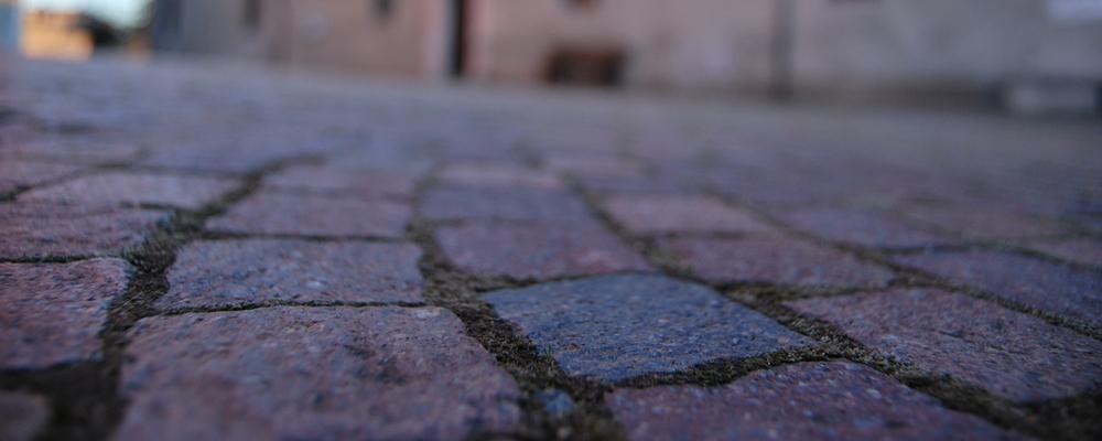 piazza-deserta